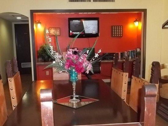 Ramada Mesa Phoenix East Area : Lobby