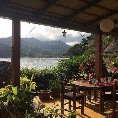 Casa Santa Cruz: El Jardin communal area
