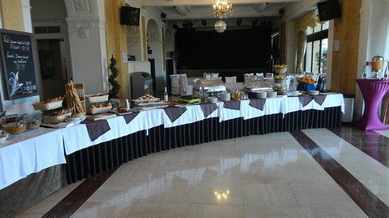 Hotel Le Royal: Frukostbuffe