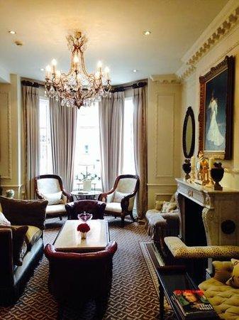 Egerton House Hotel: гостиная