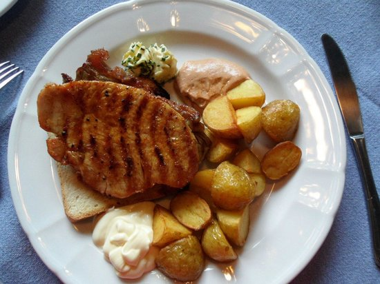 Schmiedhäusl: Vleesje met Toast mmm