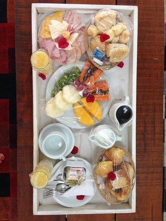 Serena Hotel Boutique Buzios : Café da manhã no quarto