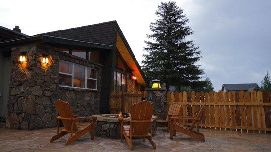 The Maxwell Inn: Fire Pit