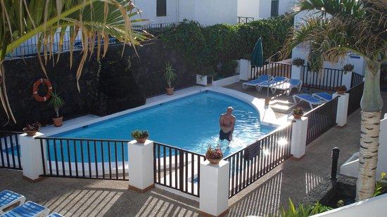 Las Lilas Apartments: uitzicht van balkon