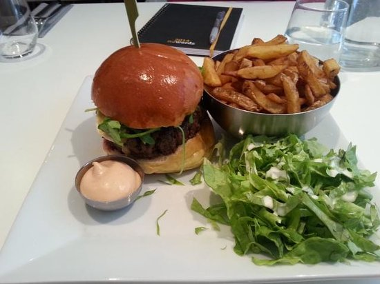 Le Comptoir du Burger : Humberger (miel etc )