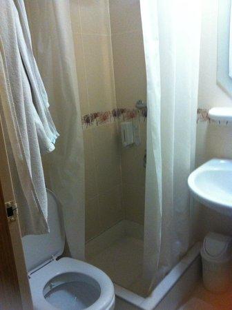 Elan Hotel: bagno