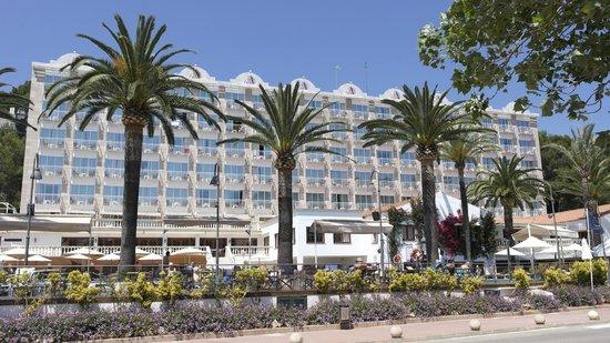Hotel Cala Galdana & Villas d'Aljandar: Front of the hotel