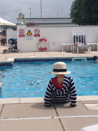 Barnstaple Hotel: Son by the pool