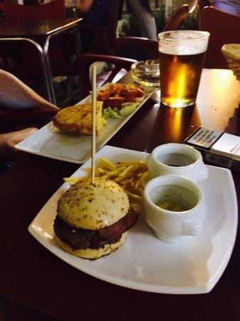 "Bar Carmela de Santa Maria la Blanca: Great ""mini hamburger"""