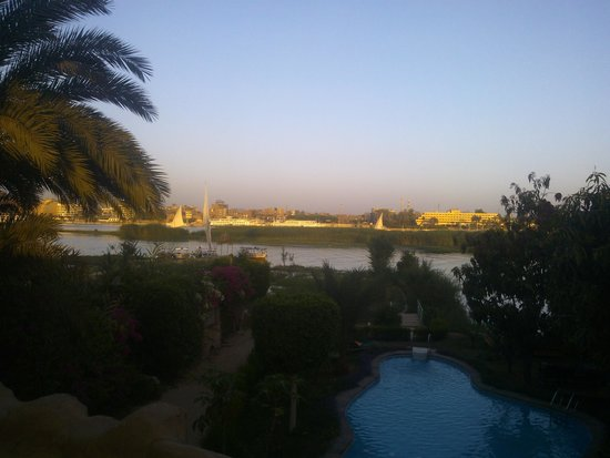 Al Baeirat Hotel : swimming pool and garden