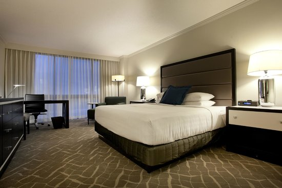 Hyatt Regency Birmingham - The Wynfrey Hotel: King Guest Room