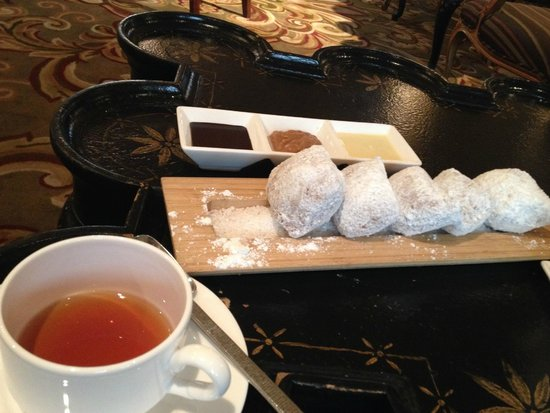 The Ritz-Carlton, New Orleans: the beignets are better at Cafe du Monde
