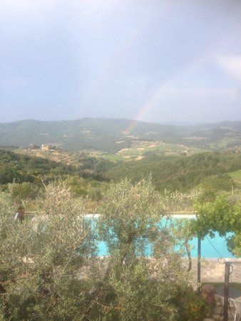 Agriturismo Podere Torre: Double rainbow