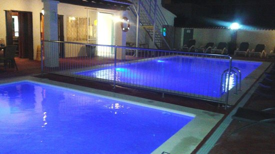 El Cortijo Apartments: Pools
