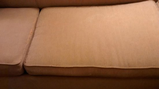 Hyatt Place Minneapolis Airport - South : Shabby, Worn, Torn Furniture