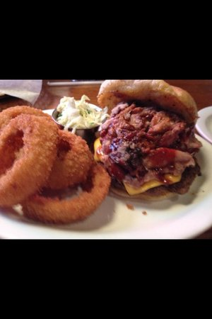 Memphis Barbecue Co.: Burger and onion rings