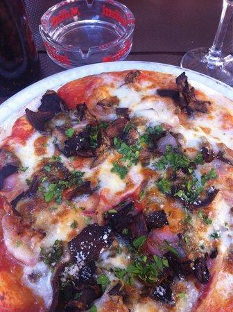 Chez Peppone : Pizza aux cèpes