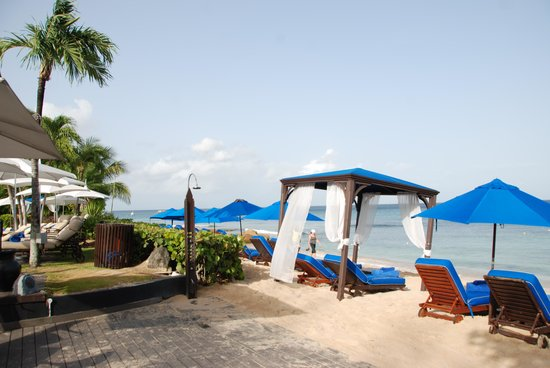 The House by Elegant Hotels: hotel beach view