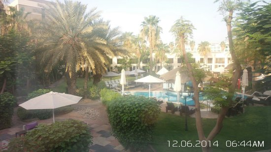 Le Meridien Dubai Hotel & Conference Centre: The swimming pool