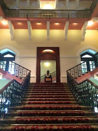 The Taj Mahal Palace : The grand stair case