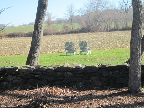 Woolverton Inn: Moon watch over the fields