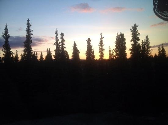 Denali Primrose Bed & Breakfast: Sunset From Upstairs Bedroom