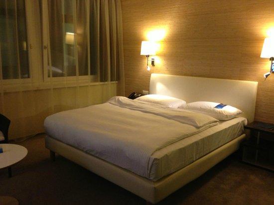 Radisson Blu Hotel, Luzern: Кровать