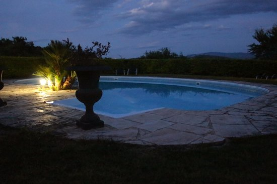 Mas des Oliviers: Pool by Night