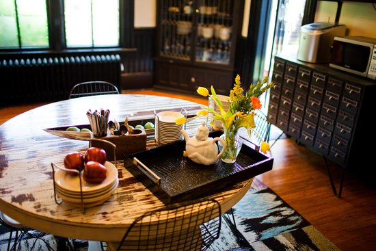 Made INN Vermont, an Urban-Chic Bed and Breakfast: BURLINGTON VERMONT DESTINATION UNLIKE ANY OTHER, POWERFUL ENERGY, UNMATCHED BEAUTY WORLD CLASS