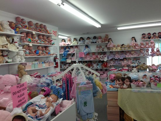 Aimee and Daria's Doll Outlet