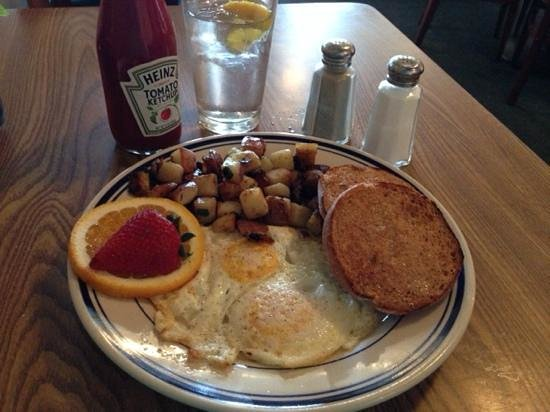Blue Willow Restaurant & Gift Shop : Eggs over medium at Blue Willow