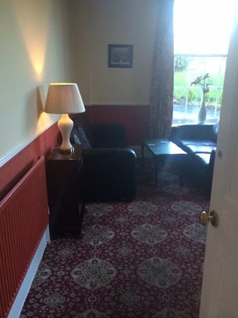 Gomersal Lodge Hotel: 1960's themed bar area