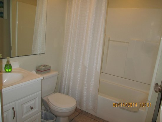 The Inn on Siesta Key: The Nook master bath