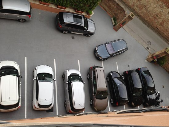 Hotel Athena: The car park below my room.