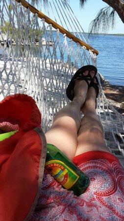 Tarpon Flats Inn : Little hotel beach