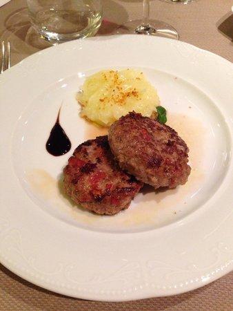Modica Palace Hotel: Delicatissimo e gustosissimo hamburger