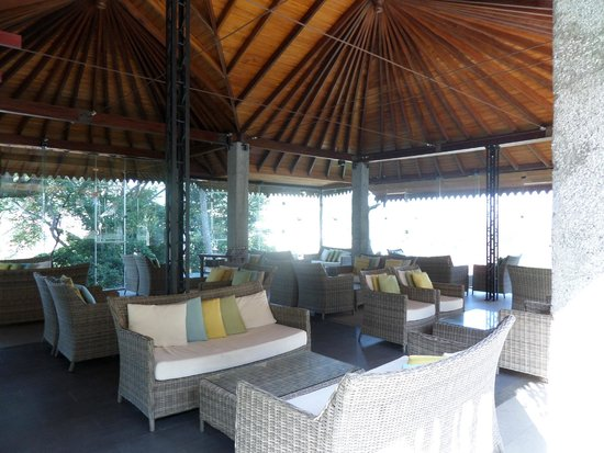 Hotel Thilanka: Cosy Bar with a great view