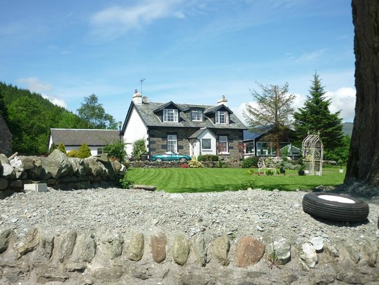 Culag Lochside Guest House: View from the Loch side
