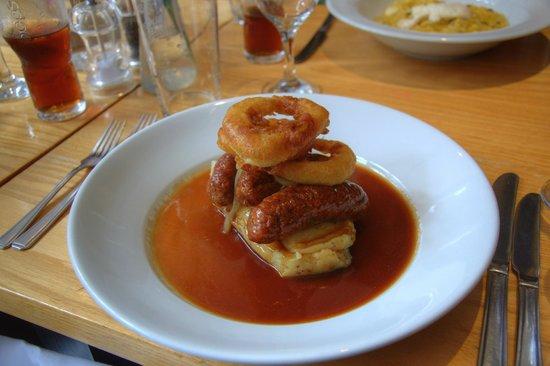 The Brasserie @ the Victoria Hotel: Bangers 'n' Mash
