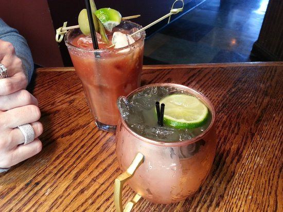 Lowell's Restaurant : Bacon Bloody Mary and Moscow Mule