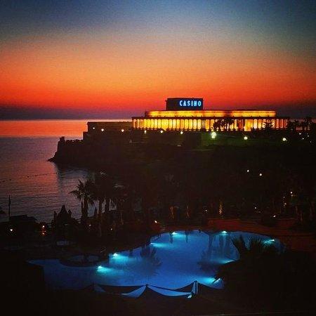 The Westin Dragonara Resort, Malta: Room with a view - sunrise!