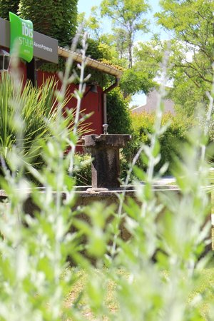 Ibis Styles Aix en Provence: Entrance