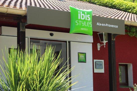Ibis Styles Aix en Provence: Enrance