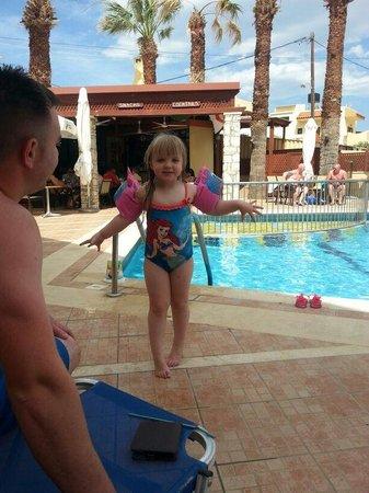 Latania : summer enjoying the pool