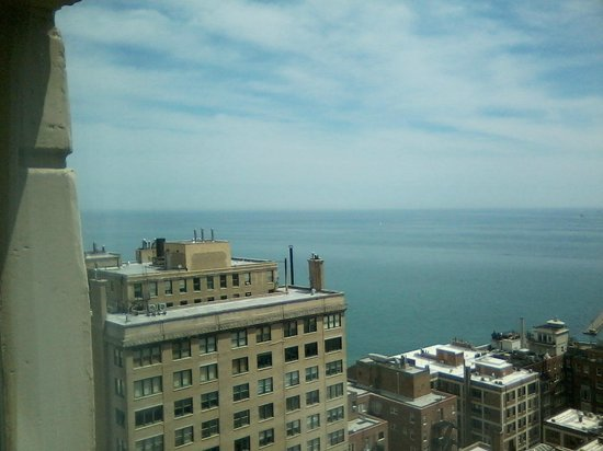 Hilton Chicago/Magnificent Mile Suites: View from the desk