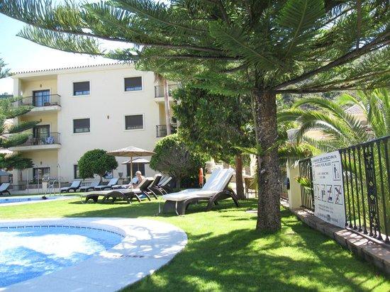 Gran Hotel Benahavis: Upper pool