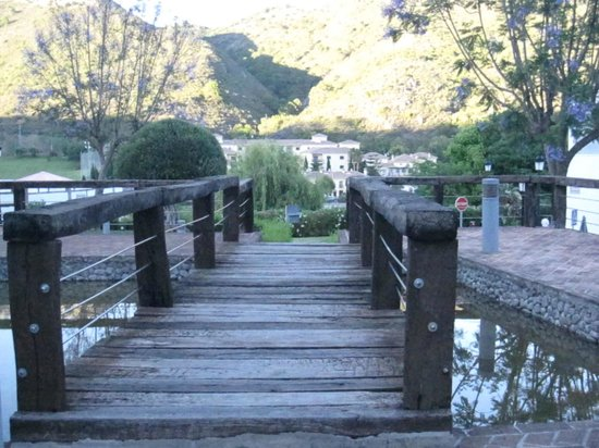 Gran Hotel Benahavis: Little bridge