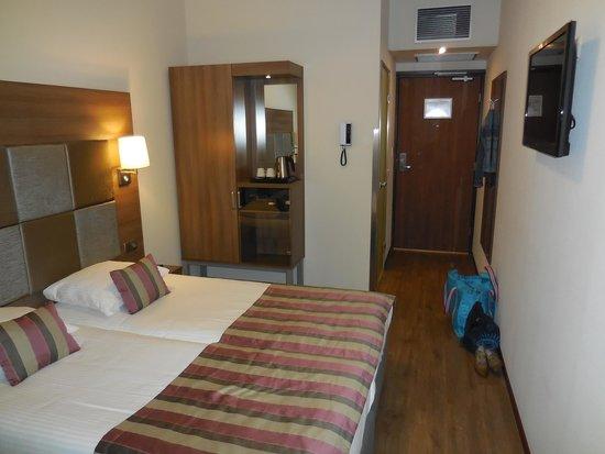 Hotel Cordial: Sehr schöne Einrichtung und tolle Beleuchtung!!