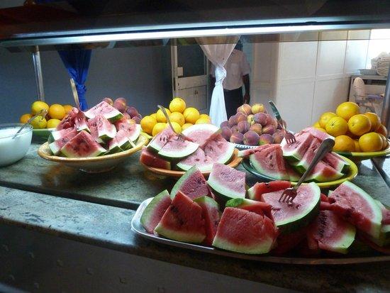 Diana Beach Club : buffet fruits