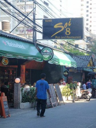 Citadines Sukhumvit 8 Bangkok: soi 8